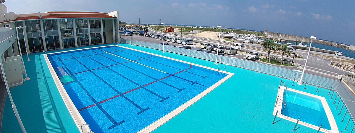 沖縄店のプール画像
